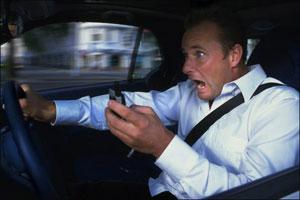 تلفن-همراه-در-رانندگی