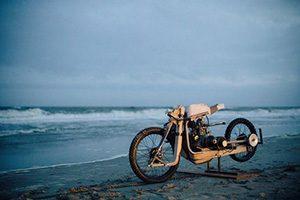 ساخت موتورسیکلت چوبی بدون نیاز به بنزین